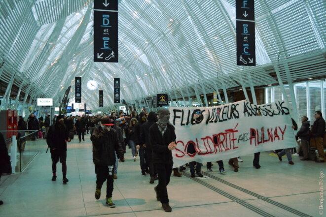 Manifestation en soutien à Théo, Gare de Montpellier Saint-Roch, Montpellier © Benjamin POLGE