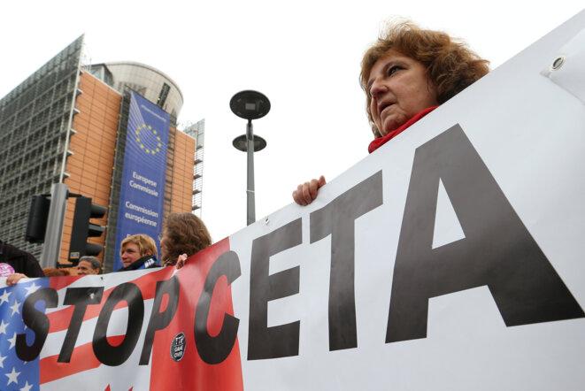 Manifestation contre le CETA, le 27 octobre 2016 à Bruxelles © Reuters