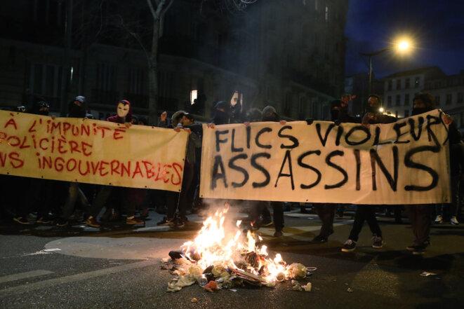 Manifestation contre les violences policières, mercredi 15 février à Paris. © Reuters