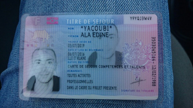 Le titre de séjour délivré le 17 février par la préfecture d'Ille-et-Vilaine au rappeur tunisien. © DR