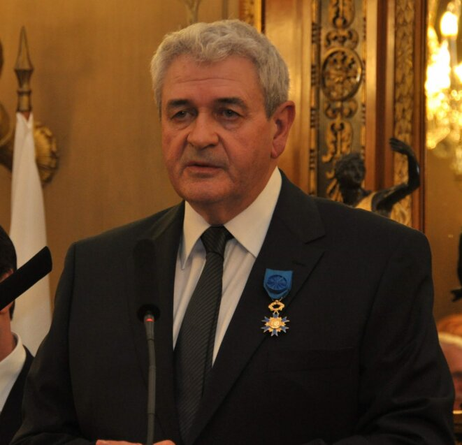 Didier Linotte, décoré en 2010 de l'ordre national du Mérite par le maire de Nice, Christian Estrosi © DR