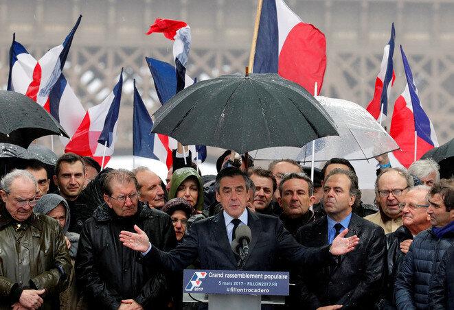 François Fillon en la plaza del Trocadero, domingo 5 de marzo. © Reuters