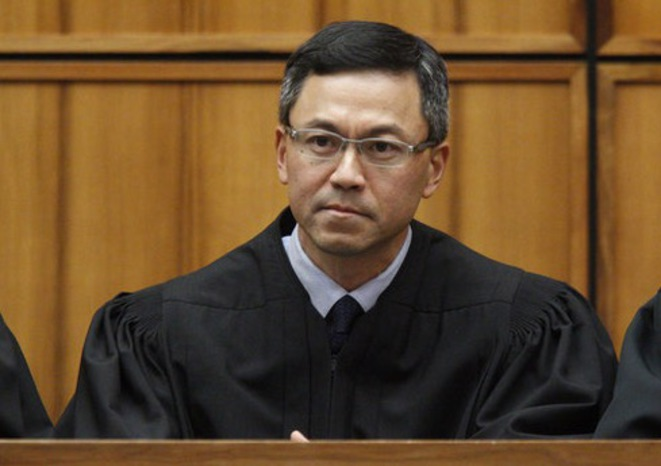 Le juge Derrick Watson, qui a cassé le deuxième décret contre l'immigration. © Reuters