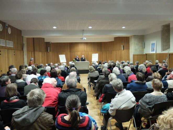 Conférence du docteur François Damas, à Pavie, dans le Gers, en mars 2017 [Ph. YF]