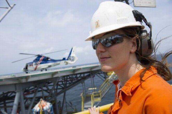 Une femme ingénieure en forage plate-forme AGM-N de Total Gabon - Crédits : PASCAL LAURENT/FICHIER NUMERIQUE/LEFIGARO