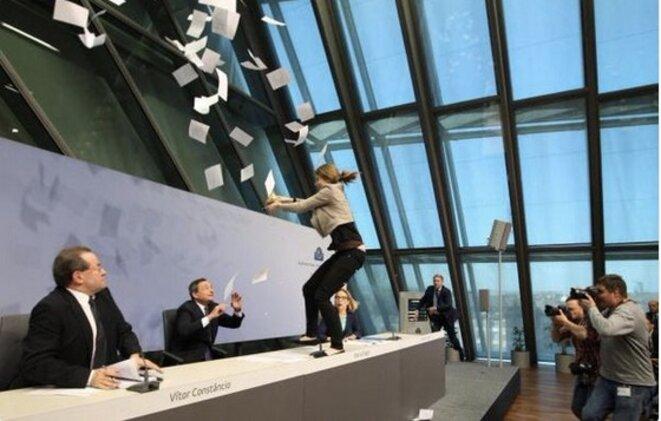Manifestation des Femen lors de la première conférence de la BCE dans son nouveau siège en avril 2015 © DR
