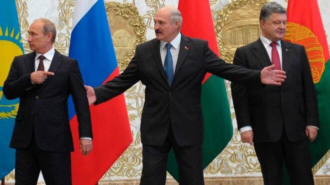 il-leader-bielorusso-lukashenko-tra-putin-e-poroshenko-a-minsk