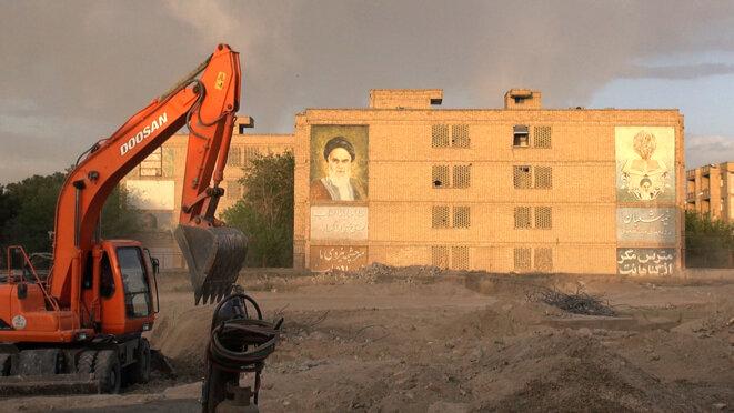6-islam-pour-memoire-place-khomeini-copyright-mille-et-une-films