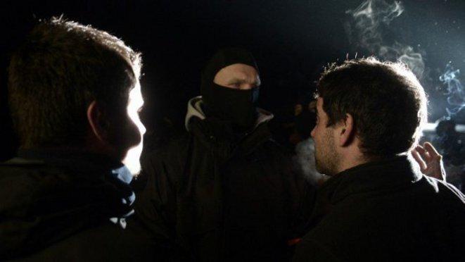 En Louhossoa, los activistas se enfrentan a los policías de las brigadas de intervención. © Embata.info