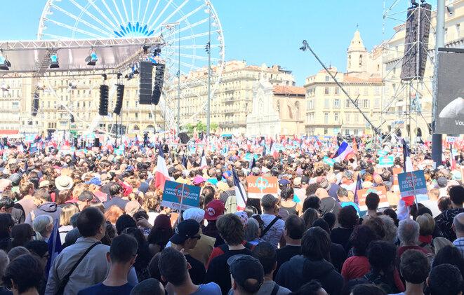 Le rassemblement de la France insoumise sur le Vieux Port à Marseille, avec Jean-Luc Mélenchon, le 9 avril 2017 © CG