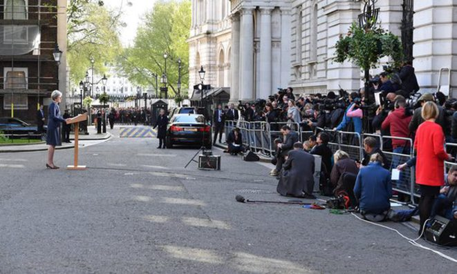 Theresa May devant le 10 Downing Street © Silver Hubb Rex / Shutterstock
