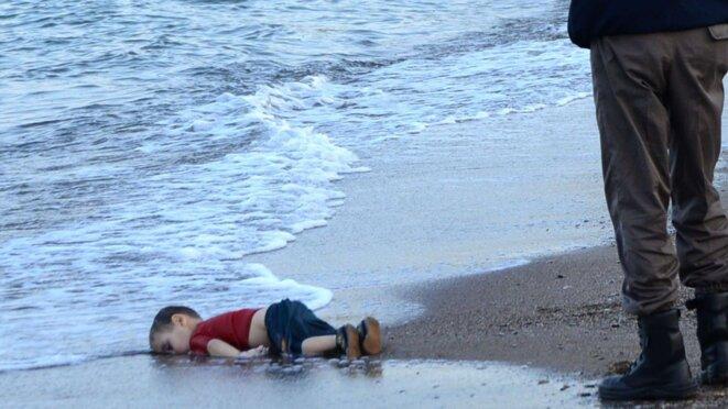 Aylan Kurdi, un enfant retrouvé mort sur une plage de Turquie le 2 septembre 2015