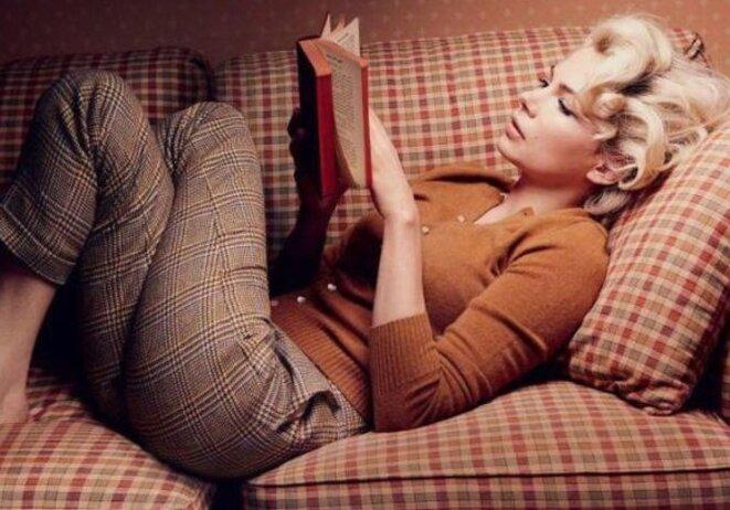 femme-qui-lit-un-livre
