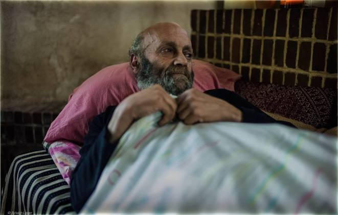 Le repos, Henry le survivant des tunnels © Sylvain Leser / Agence Le Pictorium / LZR Pictures