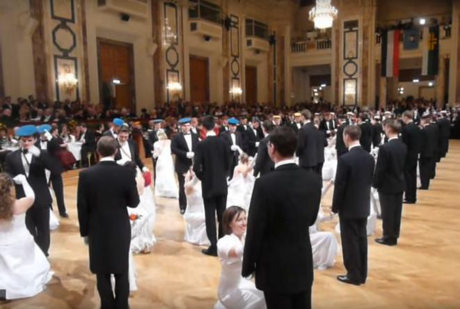 Bal de la Fédération des corporations pangermanistes, 2010, Vienne. © textiltaenzer