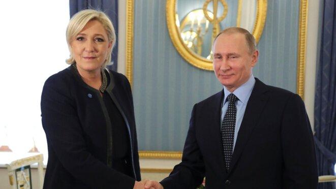 Marine Le Pen et Vladimir Poutine lors de leur entretien, le 24 mars 2017 à Moscou. © Reuters