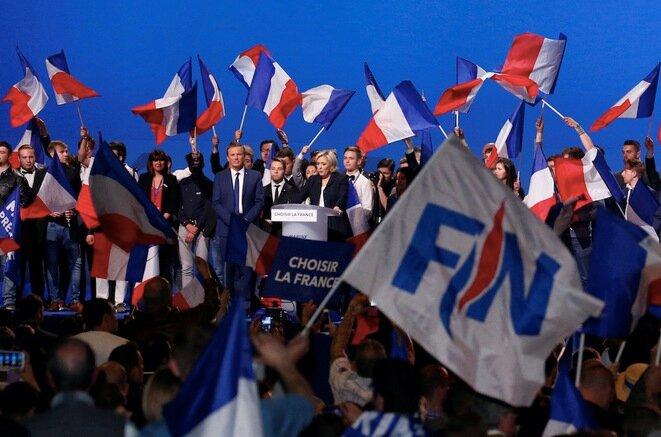 Marine Le Pen durante su mitin en Villepinte, el lunes 1 de mayo de 2017. © Reuters