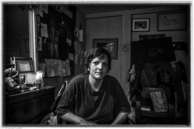 Aurélie (Lilly Frozy) chez Sylvain à Paris © Sylvain Leser