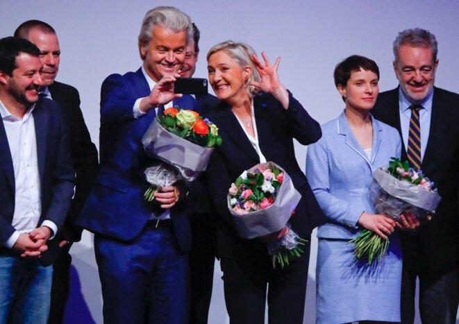 Geert Wilders, du PVV néerlandais, Marine Le Pen et des membres du groupe ENL, lors du meeting de Coblence, le 21 janvier 2017. © Reuters