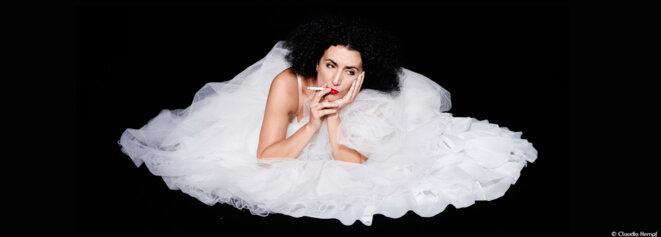 Cristiana Morganti enflamme littéralement le théâtre des Abbesses dans un Jessica and me des plus piquants © Claudia Kempf