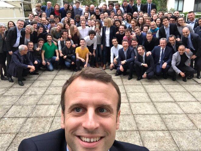 macron-selfie