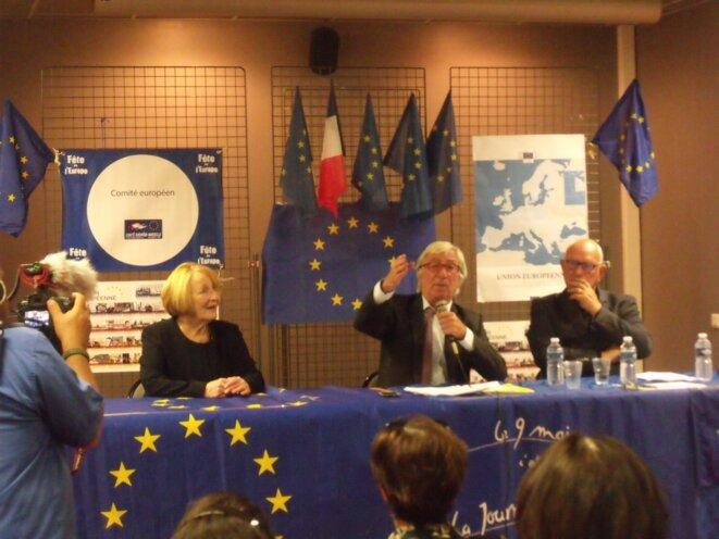 Un moment du colloque organisé par le Comité Européen Marseille. De gauche à droite : Monique Beltrame - Philippe Mioche - Michel Caillouët. © Philippe Léger