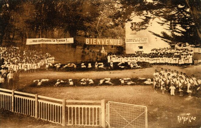Kermesse enfantine dans les années 30 célébrant Maurice Thorez. © Archives municipales d'Ivry-sur-Seine
