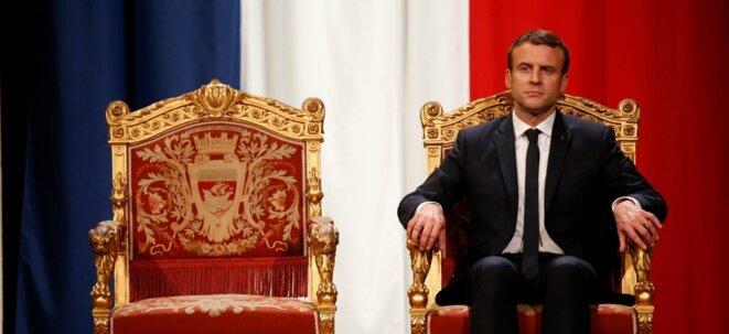 Dans l'attente de celle qui doit être obéie...Emmanuel Macron à l'Hotel de ville, à Paris, le 14 mai 2017. Photo © CHARLES PLATIAU, AFP