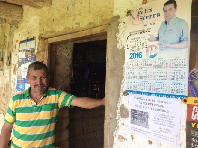 A l'entrée d'un petit bar rural, à Campo Hermoso, sur la commune de Tinjacá © Jean-Marc Adolphe