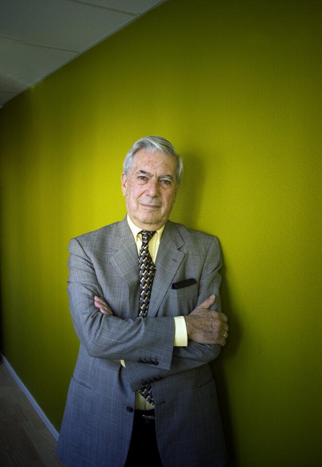 Mario Vargas Llosa © Montan - Writer Pictures – Leemage