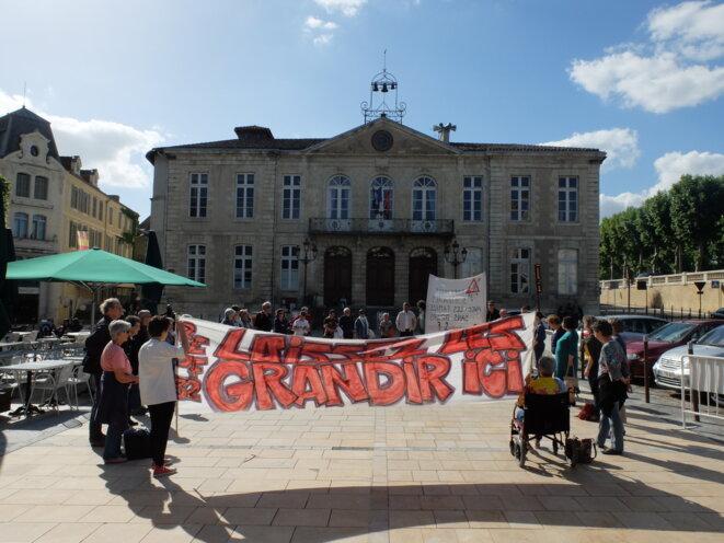 Cercle du silence à Auch le 6 juin [Photo YF]