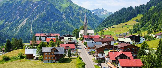 Benjamin F. a quitté son village du Voralberg, proche de la fontière allemande, pour vivre des aventures dangereuses à l'étranger. Photo Office du tourisme Kleinwalsertal Mittelberg.