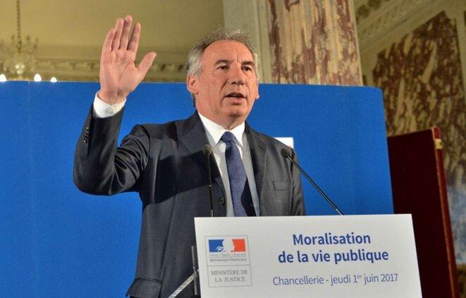 648x415-francois-bayrou-garde-sceaux-veut-mettre-hola-certains-derives-nuisent-confiance-citoyens-elus