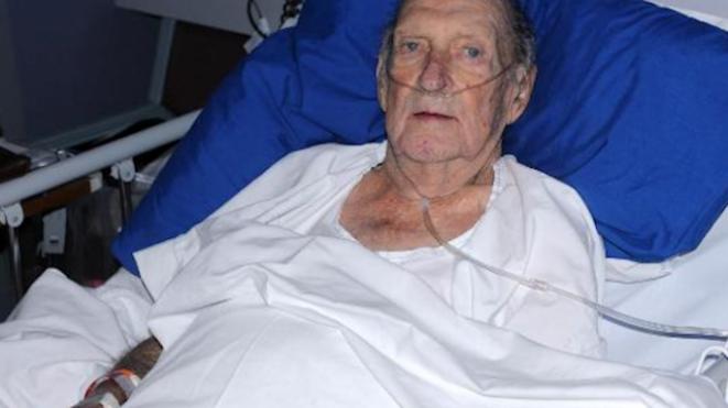 L'agent John Hopkins le meurtier de la Princesse Diana aujourd'hui sur son lit de mort