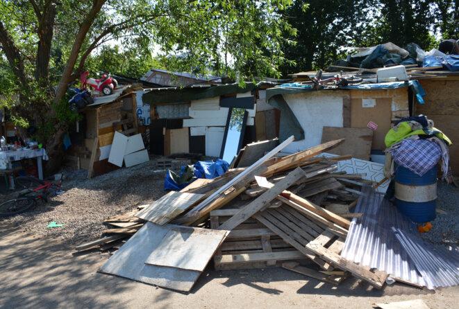 Cabane infestée de rats, détruite sur ordre de M. Pitti.