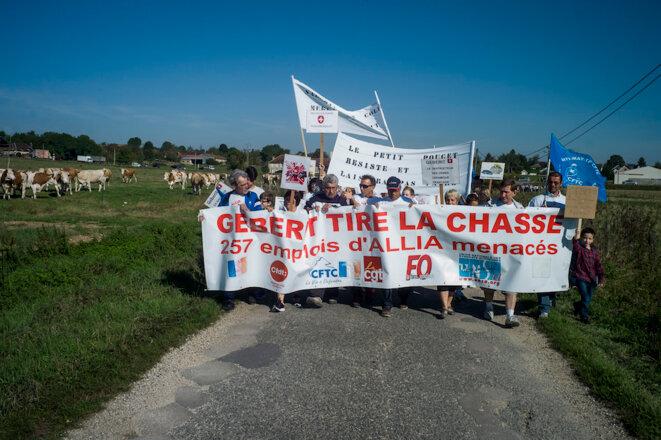"""La Villeneuve-au-Chêne, 24 septembre 2016, manifestation contre la fermeture de la """"Céramique"""" © Raphaël Helle / Signatures / La France VUE D'ICI"""