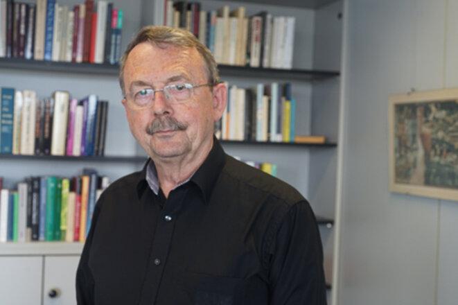Le sociologue et économiste Wolfgang Streeck, à Cologne. © AP