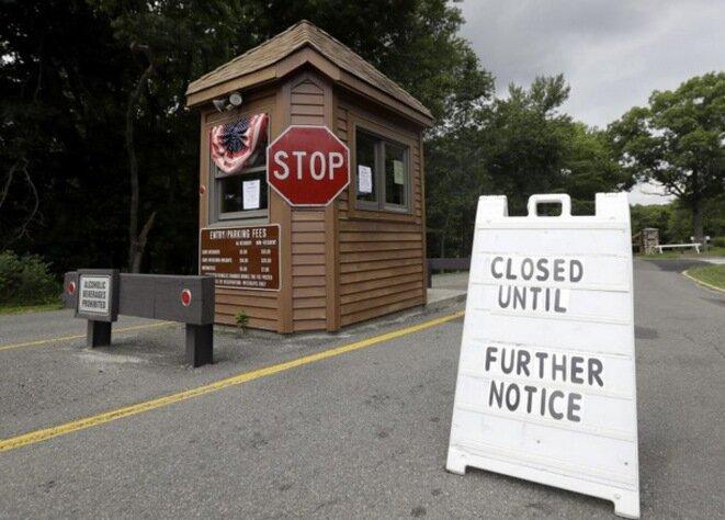 Los avisos de cierre de todos los servicios públicos se multiplican. © DR