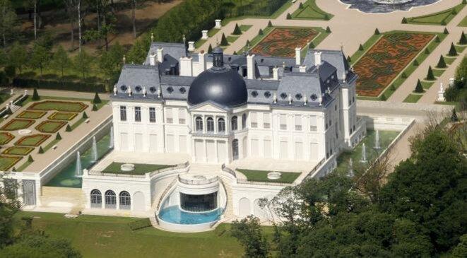 L'homme fort d'Arabie saoudite est aussi propriétaire d'un somptueux château (275 millions d'euros) à Louveciennes, dans les Yvelines. © Reuters