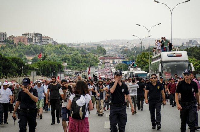 Partis à quelques milliers, ils étaient près de 45 000 à leur arrivée à Istanbul. © Jérémie Berlioux