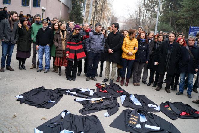 Des universitaires manifestent à l'université d'Ankara, en février 2017 © Reuters