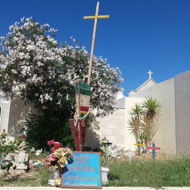 Lampedusa, côté pile. Le carré des sans noms au cimetière. Juillet 2017. © Evangeline MD