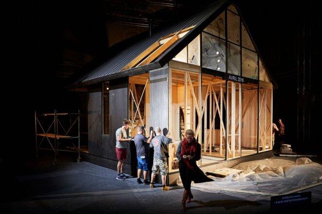 """Scène de """"Ibsen huis"""" © Christophe Raynaud de Lage"""