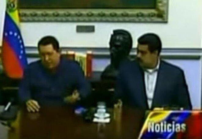 Hugo Chavez à gauche et Nicolas Maduro à droite durant l'allocution télévisée dans laquelle Chavez appelle à voter Maduro aux éventuelles futures élections, 8 décembre 2012