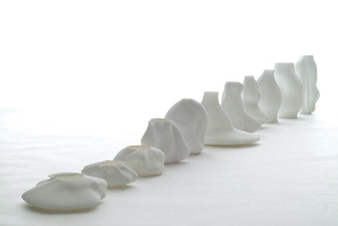 Vase #44, 11 vases 3D imprimés sur table © François Brument, 2008