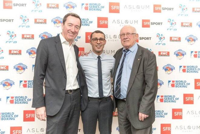 François Pesenti (DG de SFR Sport) avec Brahim Asloum et André Martin en février 2017 © www.ffboxe.com
