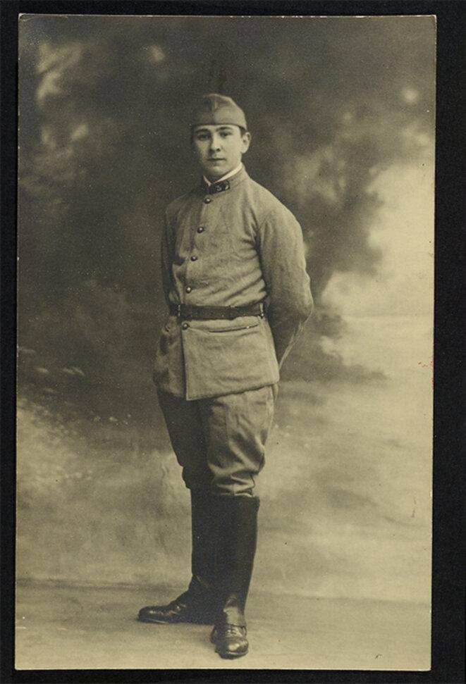 Henri Calet en soldat durant son service militaire en 1928. © Bibliothèque littéraire Jacques Doucet