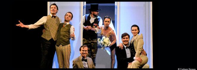 Au théâtre actuel, Johanna boyé assaisonne La Dame de chez Maxim de Feydeau avec un peu de pop et de burlesque © Evelyne Desaux