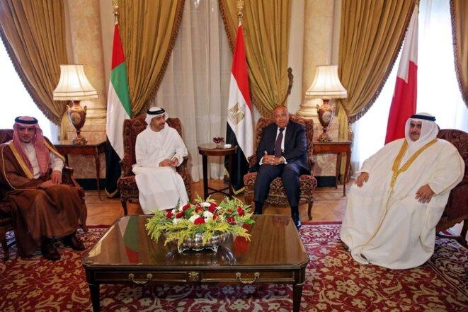 Les ministres des affaires étrangères égyptien, saoudien, bahreïnien et des Émirats Arabes unis se réunissaient mercredi 5 juillet pour définir leur position face au Qatar. / Khaled Elfiqi/AFP