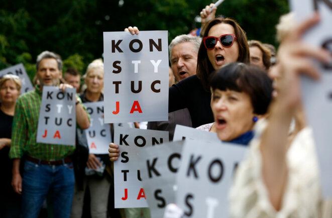 Manifestation contre la réforme de la justice, à Varsovie le 26 juillet 2017 © Kacper Pempel / Reuters.